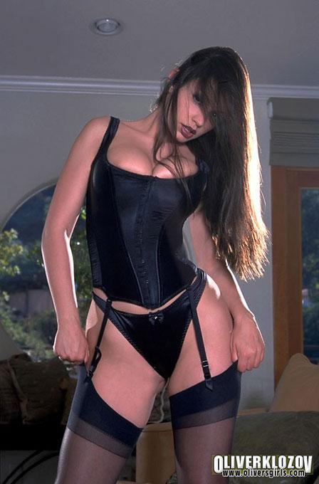 Chica poledance se masturba por la webcam -