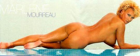 Lesbianas morena tocándose en su cama - SEX TUBE -
