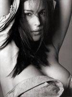 Monica Bellucci desnuda