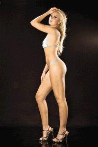 Nicole Carboni desnuda