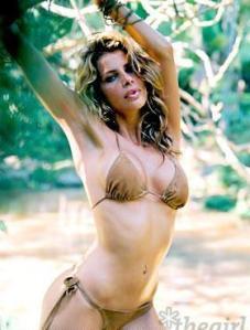 Modelo brasileña desnuda